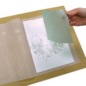 コーティングシートをめくり、紙を剥がして乾かせば出来上がりです。
