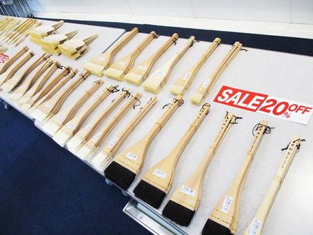 本日と明日の2日間、京都の筆屋・中里の画用筆実演販売会を開催しています! 7F