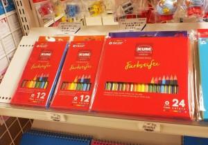 なめらかな描き心地の色鉛筆も扱っています。