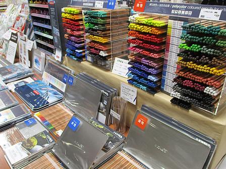 色鉛筆の試し描きコーナーも!「今日から始めるわたしの色鉛筆」を開催中 3F