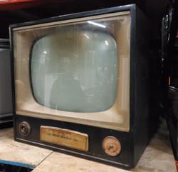 Metal Vintage TV