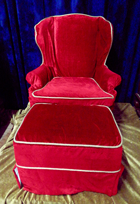 Throne C Wingback with ottoman