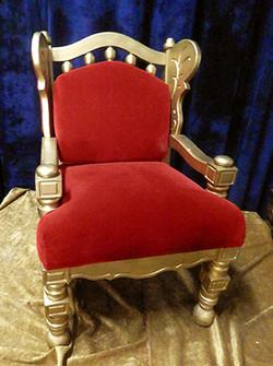 Throne D