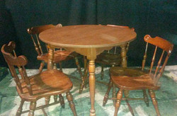Table - kitchen 36in maple round with le