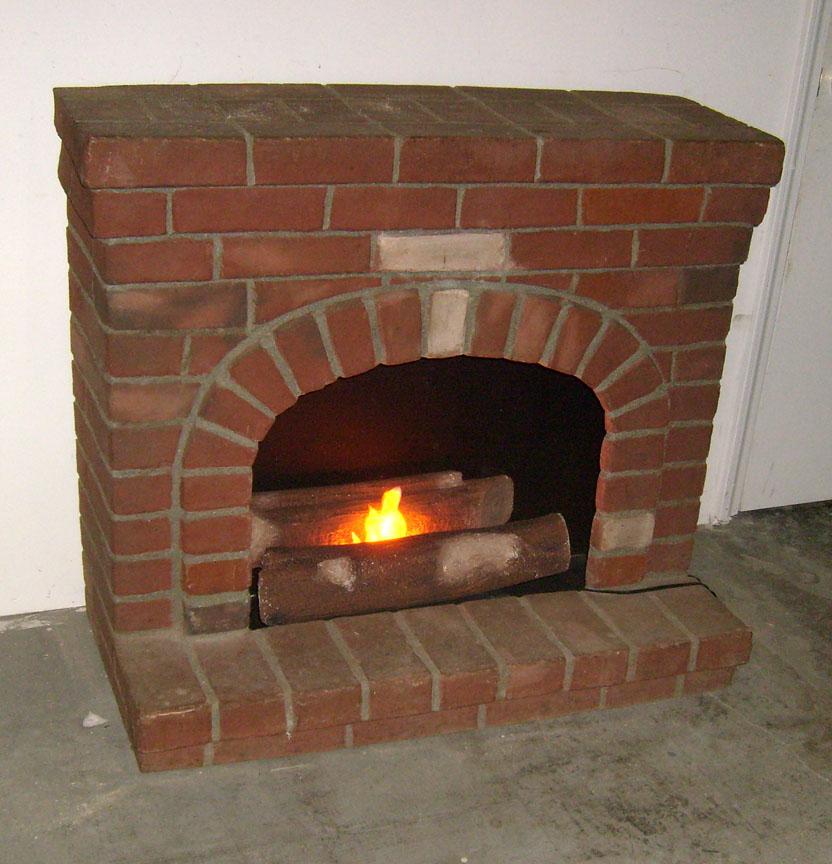 Fireplace - Brick w fire