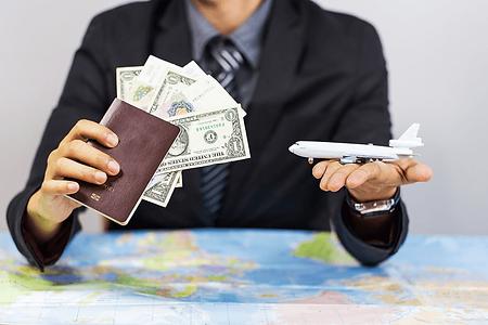 Passport-cash-travel-business.png