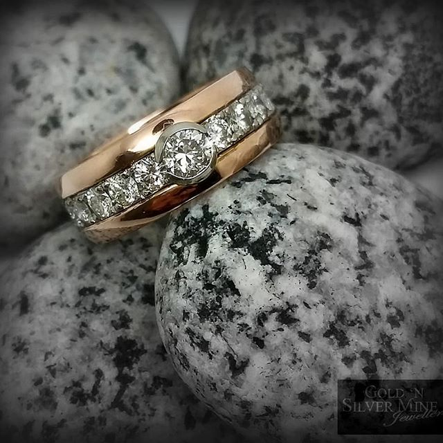 Another recent remodel, a diamond filled 18ct white gold centre setting, sandwiched between two band