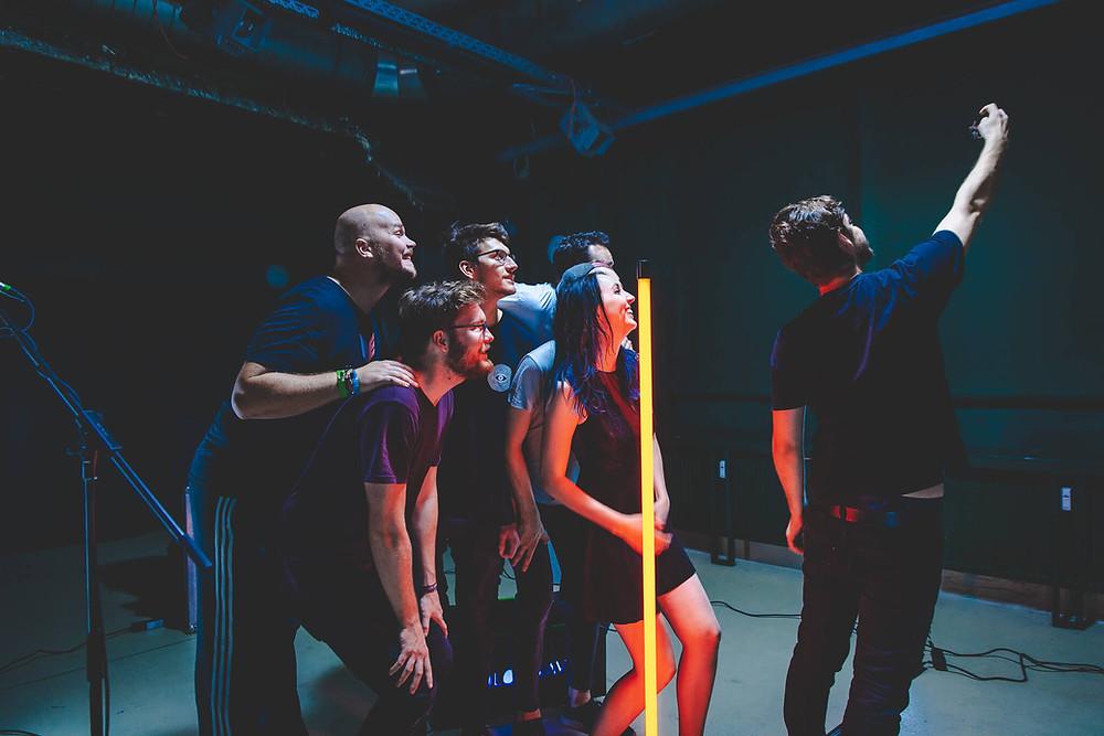 Gruppenfoto vom Videodreh mit Colorwave
