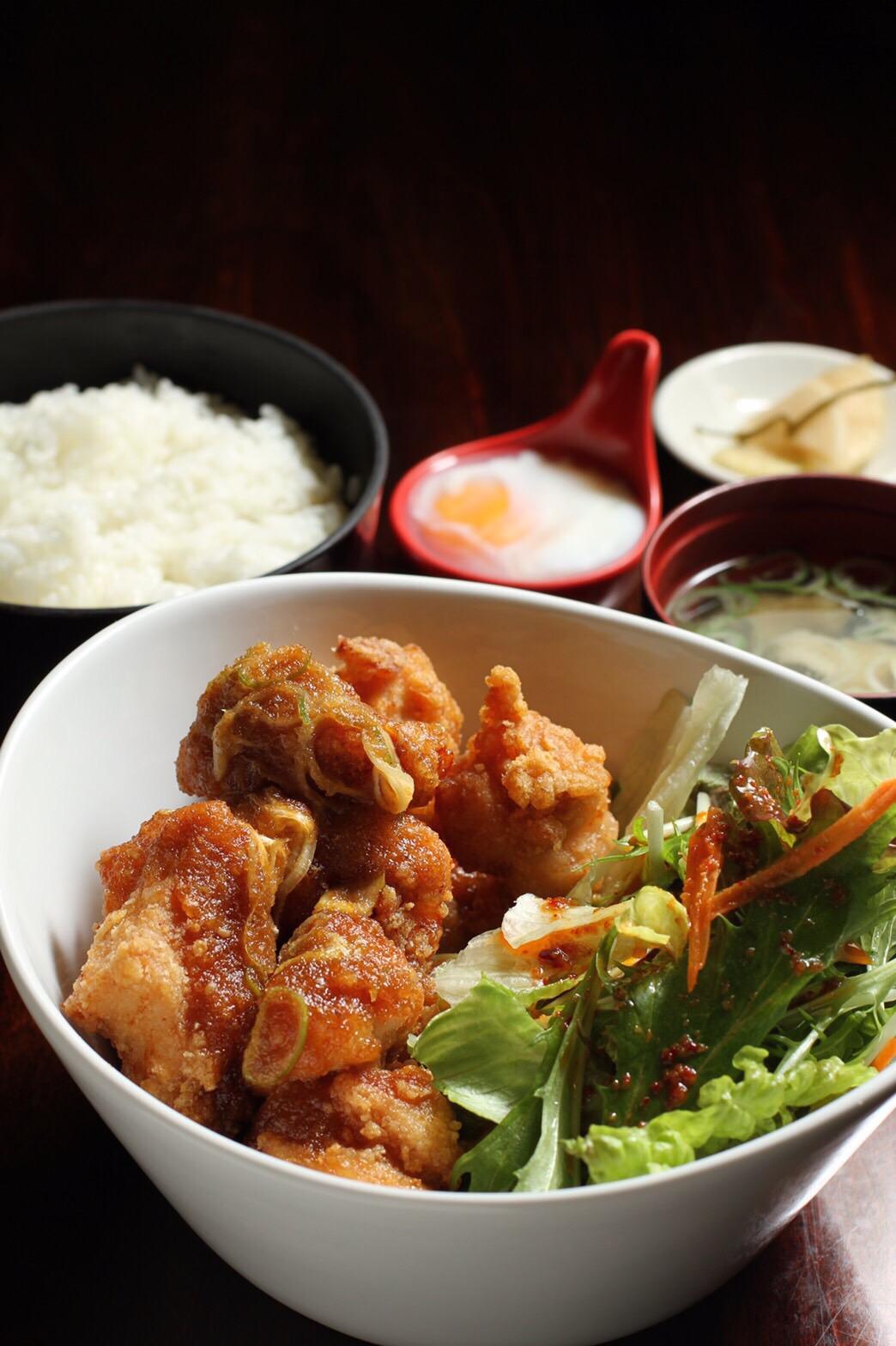 甘酢ザンギ定食(チョレギサラダ・温泉卵つき)1,000円