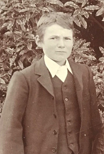 Leslie Barton Wade (2200)