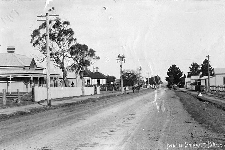 Main Street Pakenham East