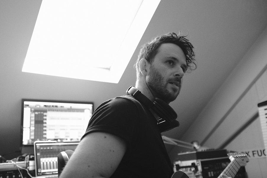 Joel Woolf Musician photo