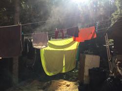 Wäsche trocknen hinterm Haupthaus