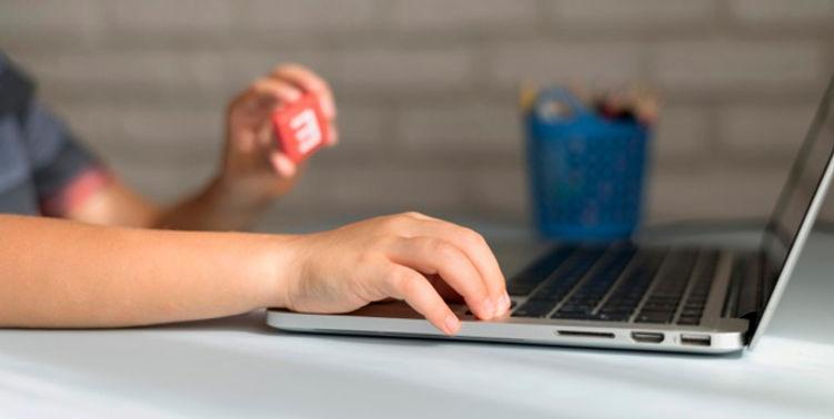 little-online-student-writing-laptop_23-