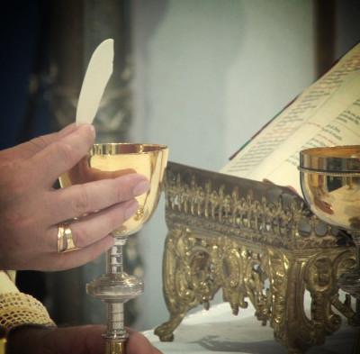 A Santa Missa - Por Pe. Moacir Ramos