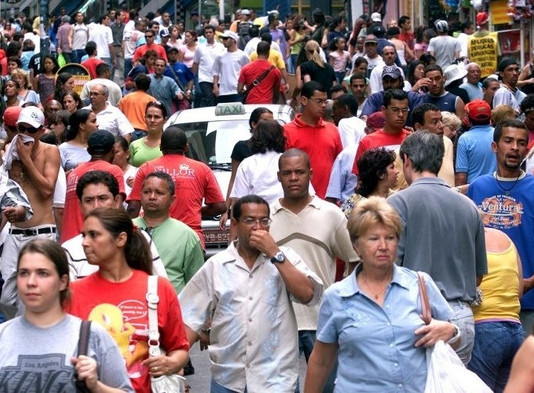 Expectativa de vida do brasileiro sobe para 75,5 anos