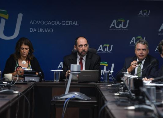 Governo vai criar fundação financiada por mineradoras para recuperar Rio Doce