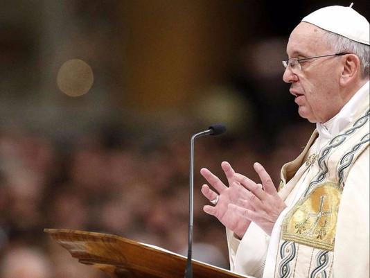 """Papa: viver a vocação religiosa """"livres para amar"""""""