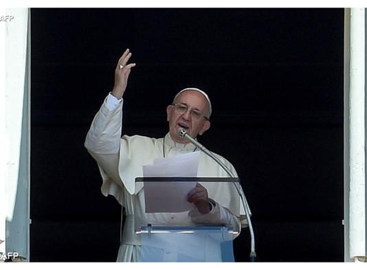 Papa: injustiças nascem do nosso comportar como patrões da vida dos outros