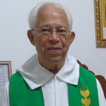 Conheça o Padre Efraim