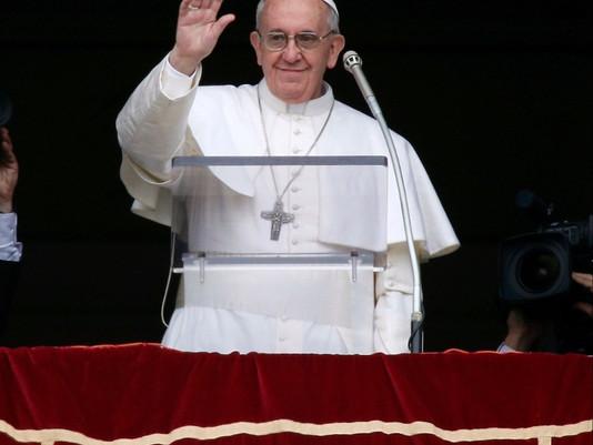 Papa no Angelus: não ter medo da cruz de Cristo, verdadeiro amor é sacrifício