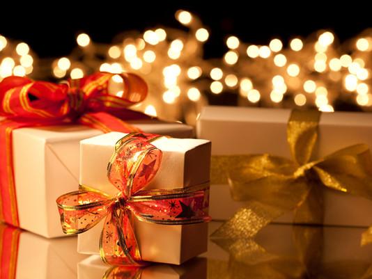 Papa explica o sentido de dar presentes no Natal
