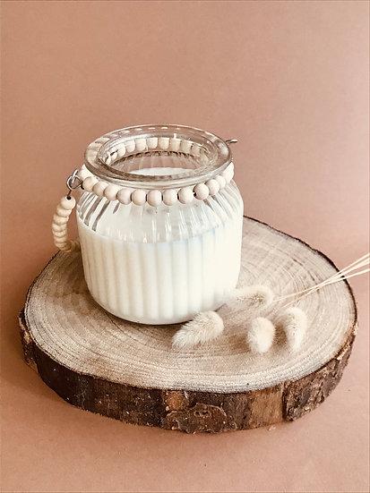 Bougie bohème perles bois mèche crépitante