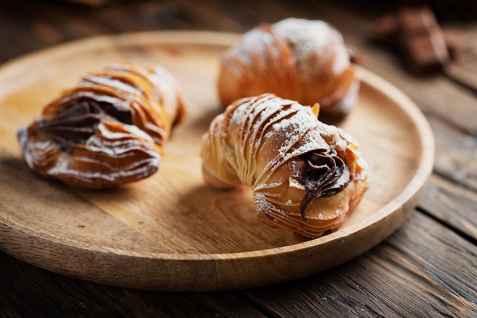 dessert-of-naples-aragosta-KSNFH79.jpg