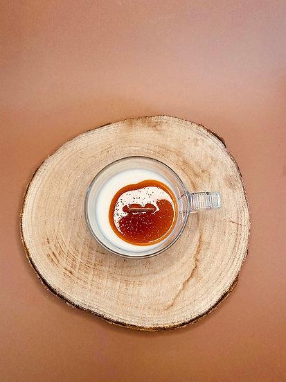 Bougie tasse latte coulis Caramel parfum au choix
