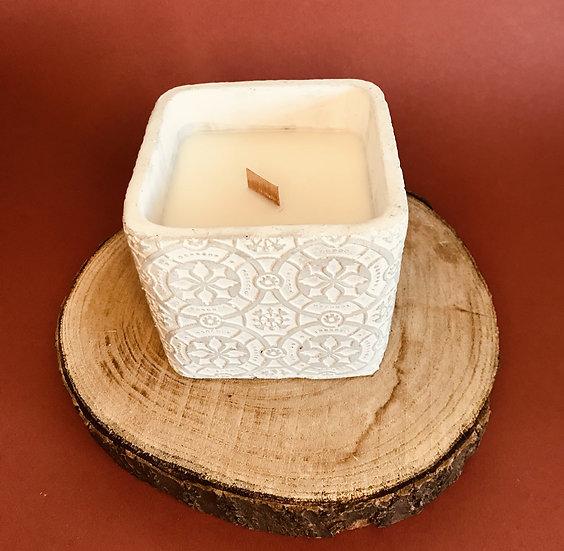 Grosse Bougie Cube mosaïque gris mèche crépitante parfum au choix