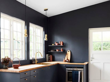 ENG Navy blue kitchen - see how modern products and an interior full of character