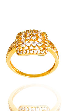 21ct gold ring with white stones