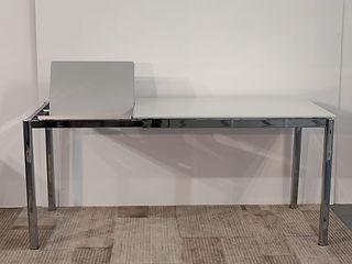 Tavolo Performance struttura cromo vetro