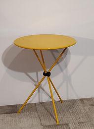 Tavolinetto in metallo giallo _113002-VA