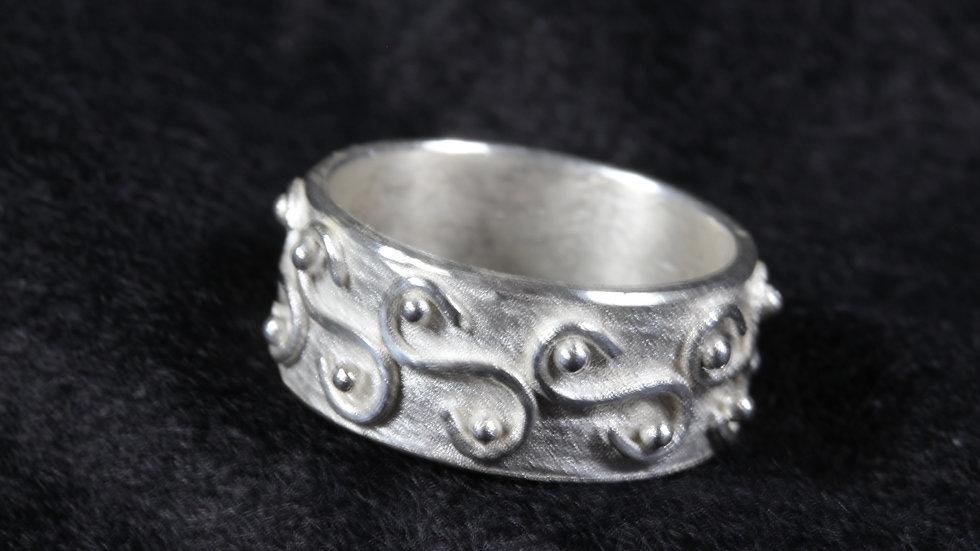 Argentium (TM) Swirl design ring.