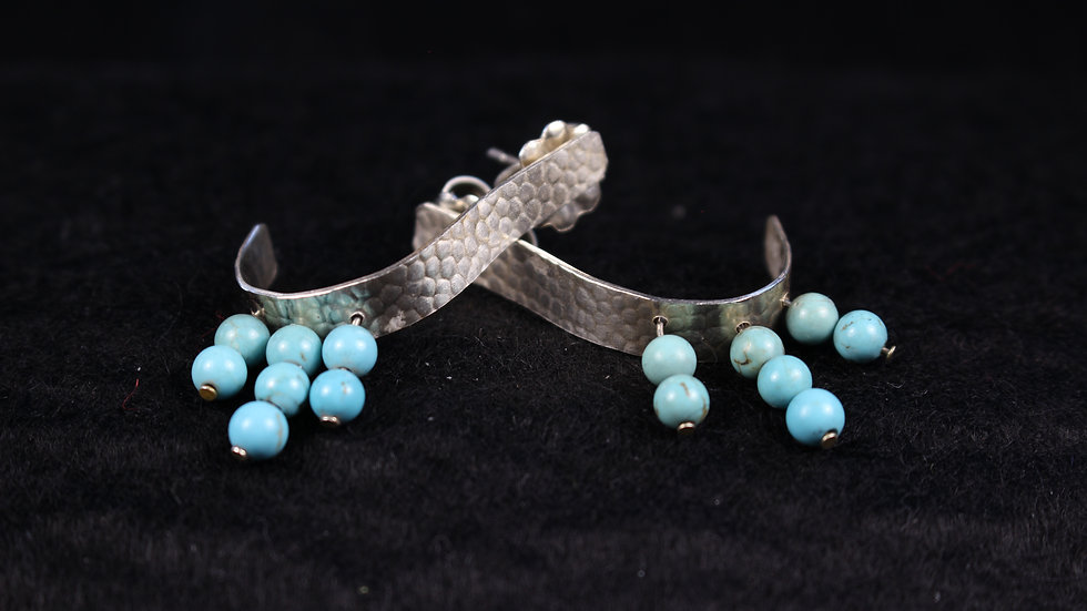 Curved post earrings In Argentium(TM) with turquoise beads