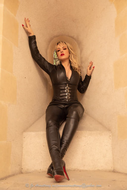 Mistress Tess Come To Church 20-11-20-34 (rsz).jpg
