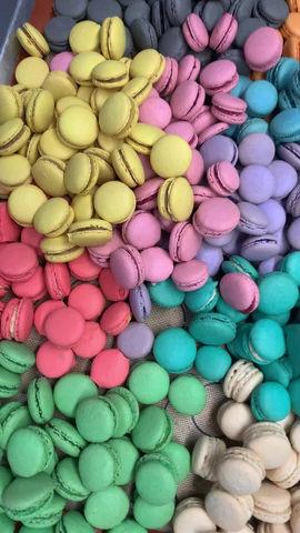 What Flavor Will It Be?!  17 Berkshire's Bertie Botts Every Flavor Macarons