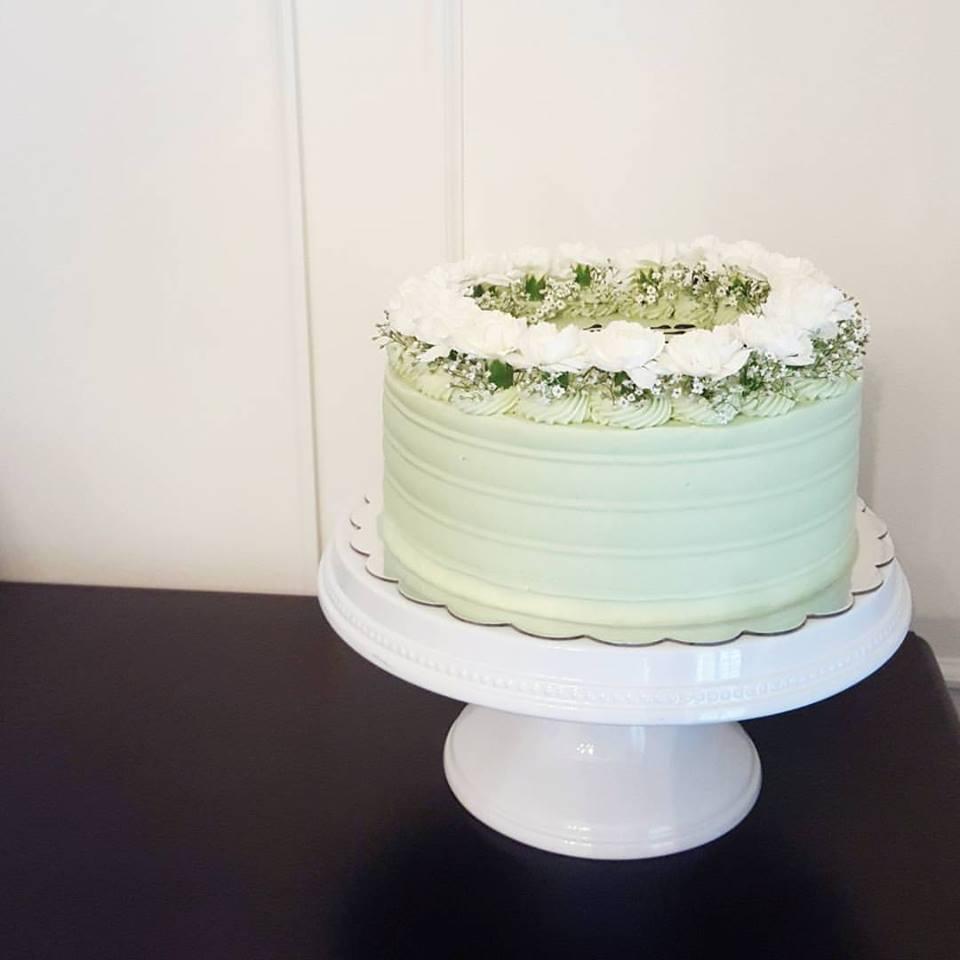 Pistachi Flower Crown Cake