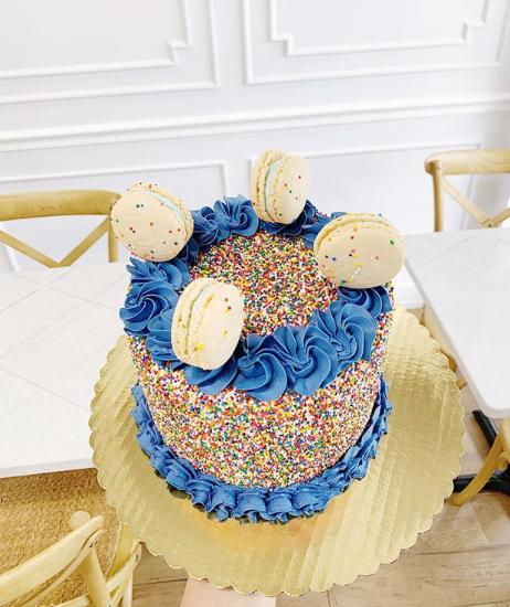 Sprinkle Cake with Macarons