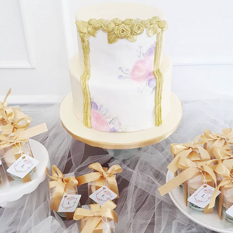 Fondant Cake with Gold Border