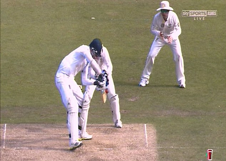 Image 1- Stuart Broad refuses to walk.pn
