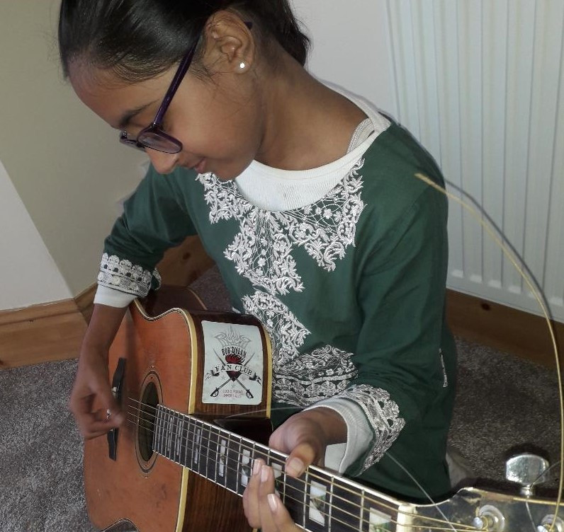 Zainab with Guitar.jpg