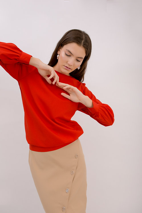 Loose-fitting long-sleeved blouse