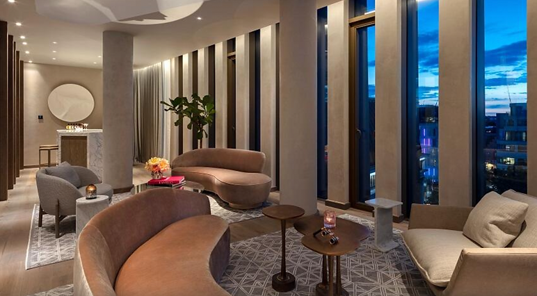 The_Londoner_Hotel_Tower_Penthouse_Suite