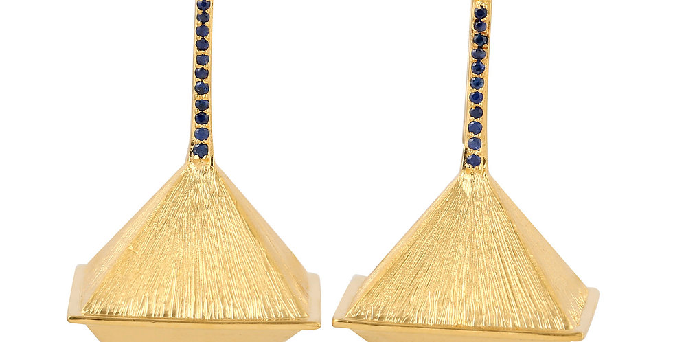 Pyramide earrings 14kt yellow gold with blue Sapphires