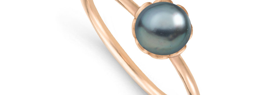 Plettenberg_ring_ISABELLA_roségold_sideview_grey-blue_pearl