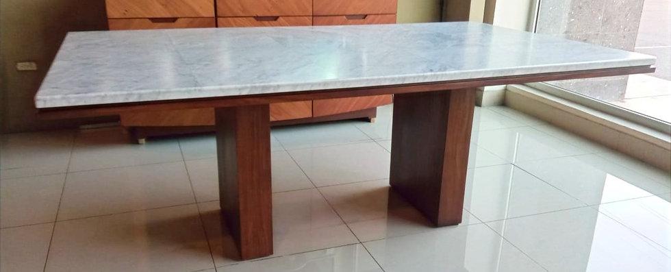 Mesa de comedor Giovanne mármol