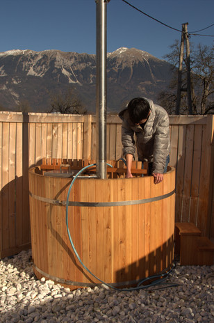 KUMA HOME Slovenia hot bath