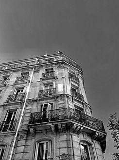 Immeuble haussmannien situé à Paris
